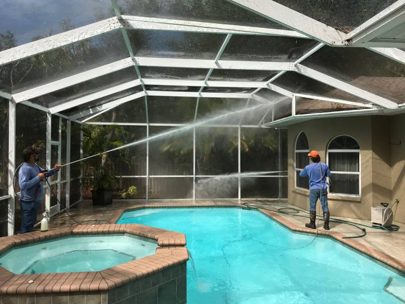 Pool cage cleaning 2 (1)